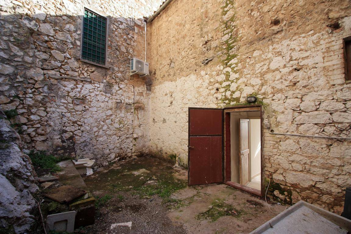 Luxury Holiday home for sale in Italy, house for sale in Italy, buy a house in Italy, Italy Farmhouse to restore, house for sale in Italy, House for sale in Tuscany, Move to Italy #MovetoItaly #ristrutturazionecasa #ristrutturazione #Italy_dreams #Italy_dream #Italydreaming #Italydreamer #Italydreamwillcometrue #italywishlist #italy #venditacasaindipendente #venditacasavacanze, Property Up To €50k in Italy, France & EU