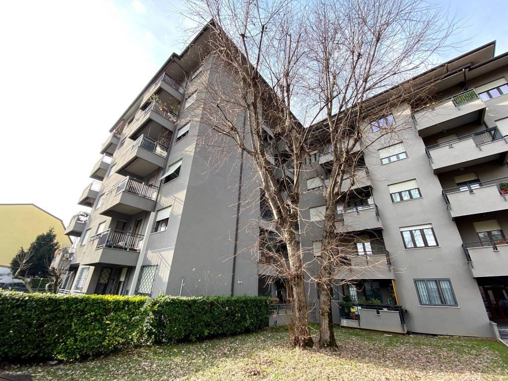 Vendita Appartamento Monza. Trilocale in via Gabriele ...