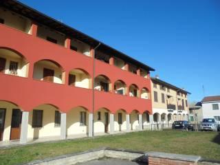 Foto - Bilocale via Giovanni Ormezzani, Casalmorano