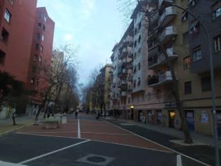 Foto - Trilocale via Flavio Stilicone 130, Cinecittà, Roma