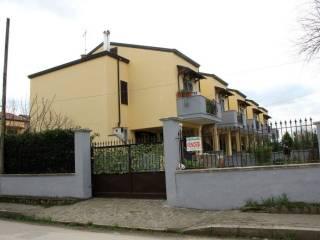 Foto - Villa a schiera, nuova, Dugenta