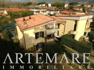 Foto - Appartamento via Canova, 189, Vittoria Apuana, Forte dei Marmi