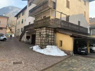 Foto - Quadrilocale da ristrutturare, terzo piano, Bronzolo