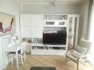 Foto - Appartamento ottimo stato, primo piano, Stagno Lombardo