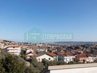 Foto - Trilocale via Famiglia Carota 15, Colle del Telegrafo - Colle Scorrano, Pescara