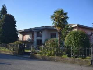 Foto - Villa unifamiliare, da ristrutturare, 355 mq, Pontirolo Nuovo