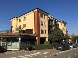 Foto - Trilocale via Varese 8, Pregnana Milanese