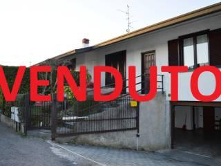 Foto - Villa plurifamiliare via Enrico Fermi, Cermenate