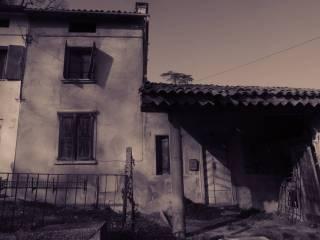 Foto - Rustico, da ristrutturare, 146 mq, Creazzo