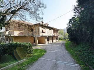 Foto - Villa unifamiliare, da ristrutturare, 340 mq, Macerata