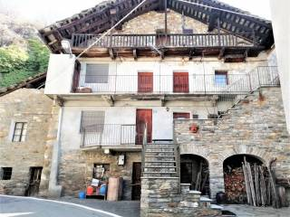 Foto - Trilocale frazione Ivery, Pont-Saint-Martin