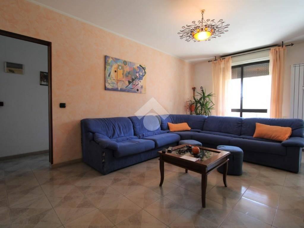 Vendita Appartamento Bareggio Quadrilocale In Via Andrea Doria 9c Buono Stato Primo Piano Balcone Riscaldamento Centralizzato Rif 87013400