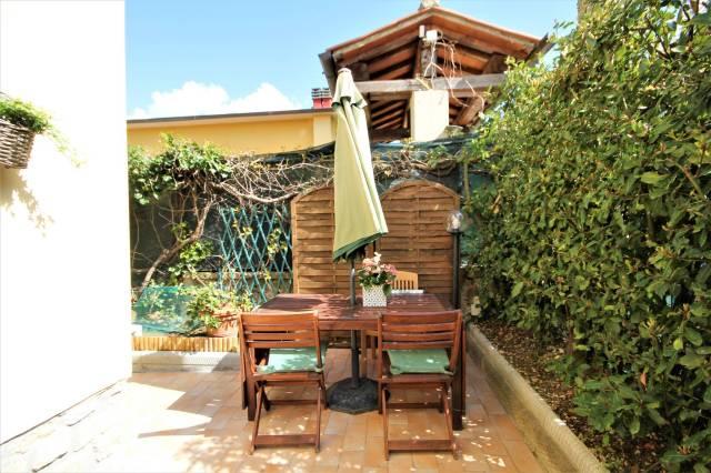 Appartamenti In Vendita A Fiesole In Zona Pian Di San Bartolo Cerca Con Caasa It