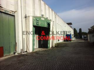 Capannone industriale in affitto a Rho