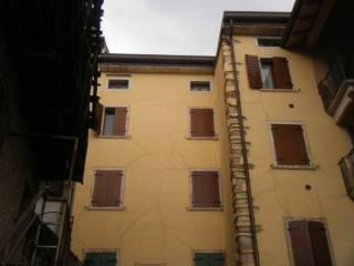 Foto - Bilocale ottimo stato, secondo piano, Caprino Veronese