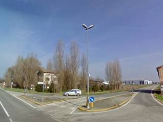 Foto - Terreno edificabile commerciale a Novi di Modena