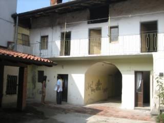 Photo - Building due piani, to be refurbished, Zandobbio