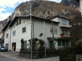 Foto - Casa indipendente via Cesare Battisti, Longhi, Pedemonte