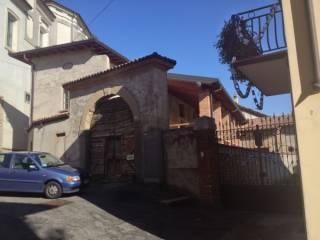 Foto - Palazzo / Stabile via Camillo Benso conte di Cavour, Adro