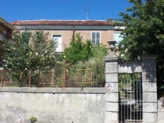 Foto - Casa indipendente via Pietro Donadei 9, Belvedere Langhe