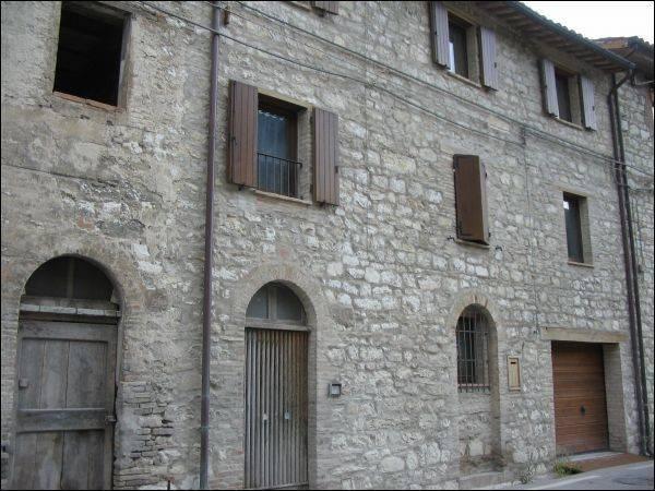 foto  Casa indipendente in Vendita a Caldarola