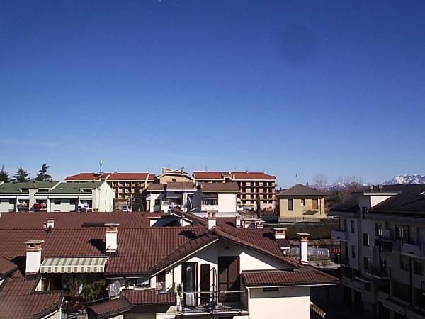 foto  Bilocale buono stato, ultimo piano, Cuneo