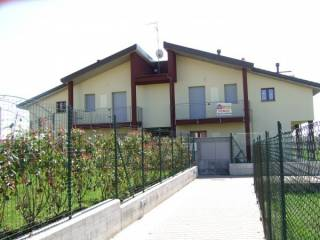 Foto - Trilocale via Moncenisio 40, Venegono Superiore