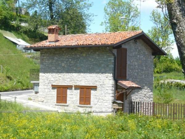 foto  Country house via Canale, Roncola