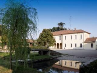 Foto - Rustico / Casale via Privata Gennari 14, Centro storico, Basiglio