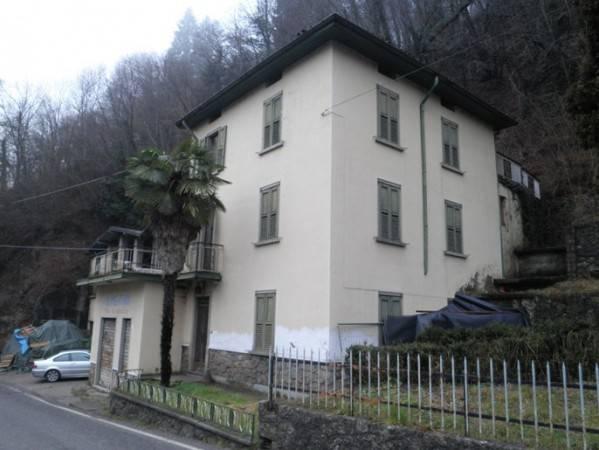 foto  Building via Villa 55A, Dossena