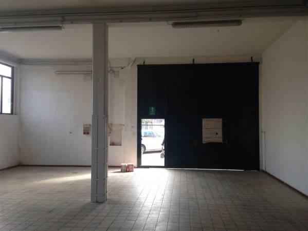 Capannone in Affitto a Prato, rif. 44888312 - Immobiliare.it
