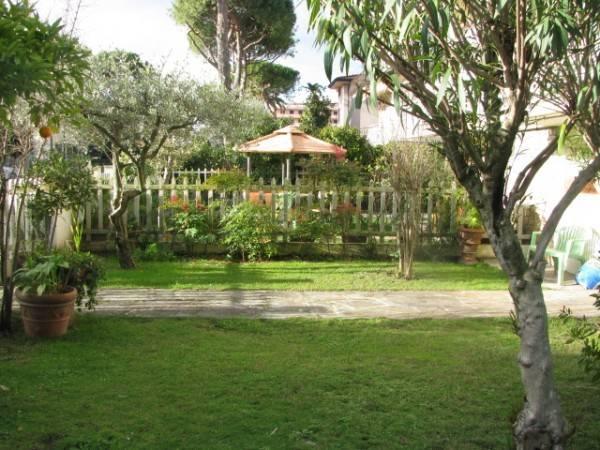 foto  Villa, ottimo stato, 215 mq, Lido Di Camaiore