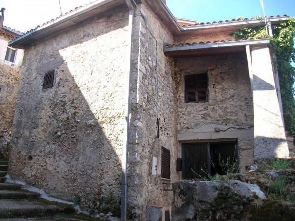 foto frontale Detached house via San Pietro 18, Colle San Magno