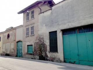 Photo - Building piazza Santi Fermo e Rustico, Caravaggio