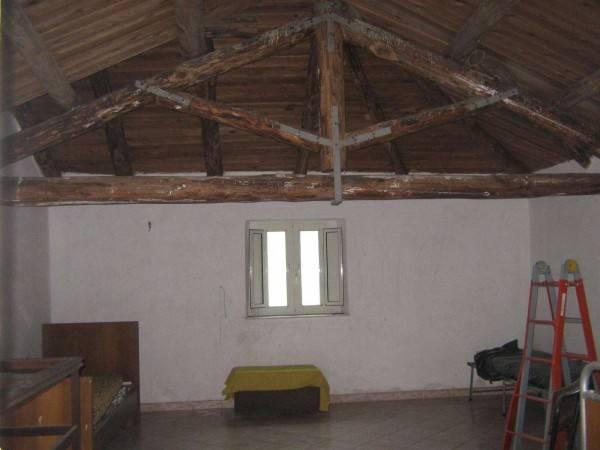 foto  Detached house 300 sq.m., good condition, Marzano Appio