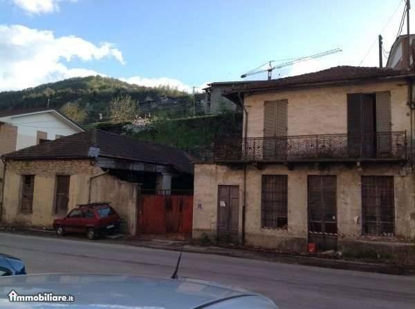 foto  Building corso Divisioni Alpine 26, Cortemilia