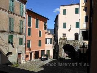 Foto - Quadrilocale da ristrutturare, secondo piano, Castel Vittorio
