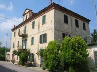 Foto - Palazzo / Stabile tre piani, da ristrutturare, Bosia