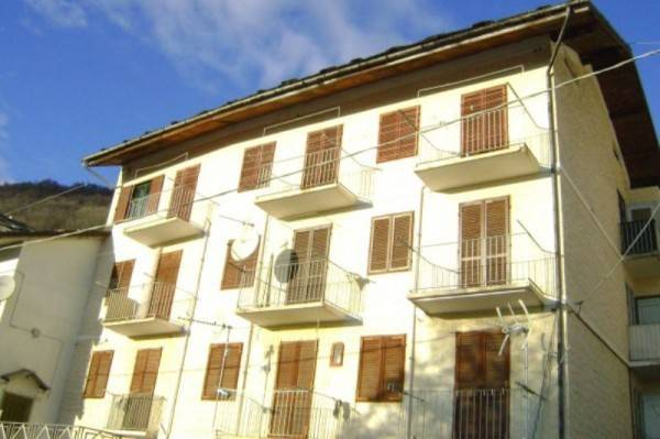 foto Stabile Stabile o palazzo via della Fontana, Monastero di Lanzo