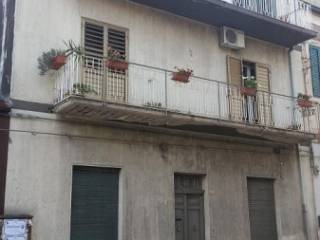Foto - Casa indipendente via Vittorio Emanuele 52, Santa Maria di Licodia