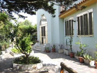 Foto - Villa viale degli Oleandri 2, Villaggio Coppola, Castel Volturno
