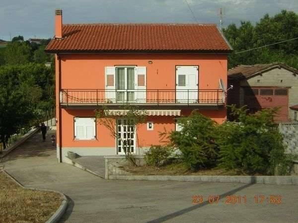 foto  Casa indipendente 11111 mq, buono stato, Morra De Sanctis
