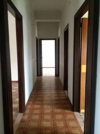 foto corridoio Quadrilocale via Bellini 27, Boscoreale