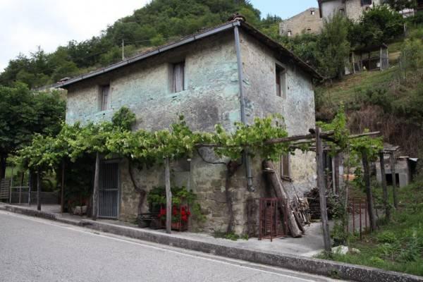 foto  Casa indipendente Uscerno, Montegallo