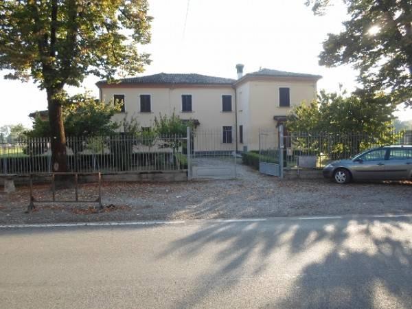 foto  Villa, buono stato, 310 mq, San Pietro in Cerro