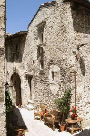 foto  Casa indipendente via della Torre 31, Santo Stefano di Sessanio