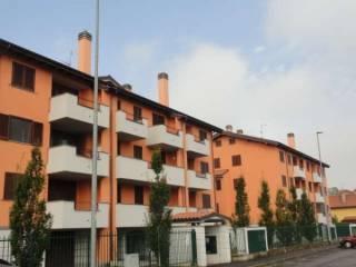 Foto - Trilocale via A  Valè, Noviglio