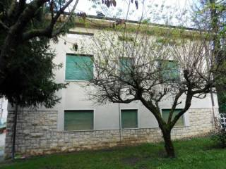Foto - Casa indipendente 200 mq, buono stato, Spinone al Lago