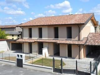 Foto - Villetta a schiera via Madignano 25, Izano