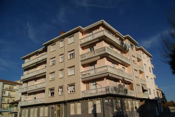 foto Esterno 3-room flat via Generale Sisto Bertoldi, Strambino